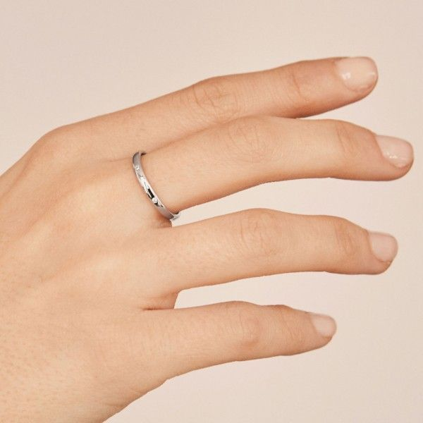 Roy silver ring hand