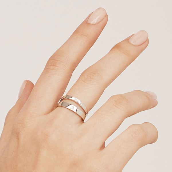 Wave silver ring hand