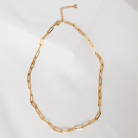 Big link chain gold necklace detail