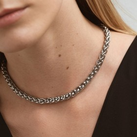 Chunky silver wheat chain girl