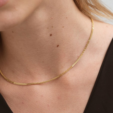 Gold texture thin chain necklace